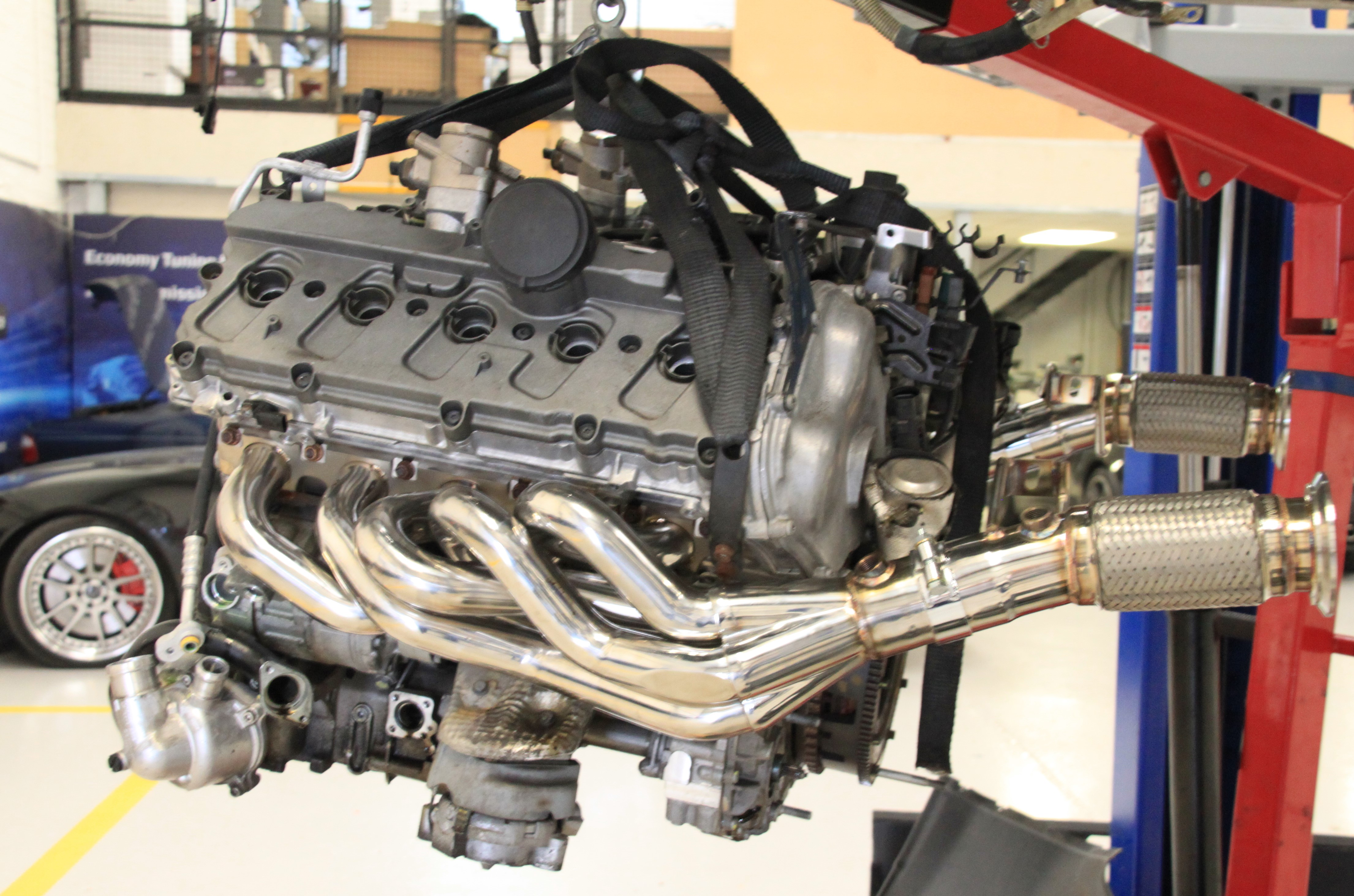 Lamborghini exhaust manifold